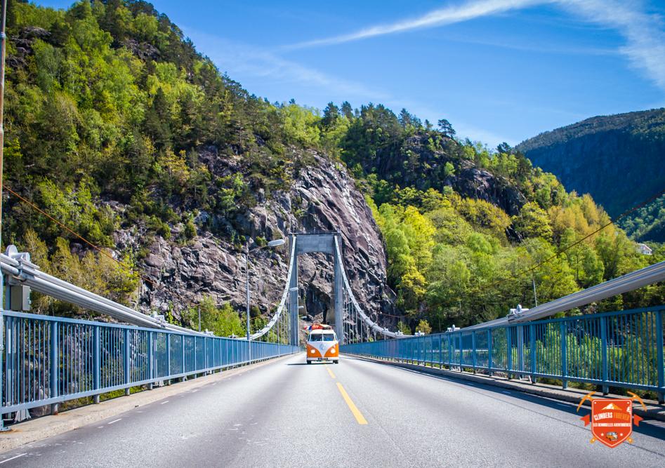 Des ponts gigantesques, des tunnels de plus de 4 kilomètres, La Norvège attention les yeux!