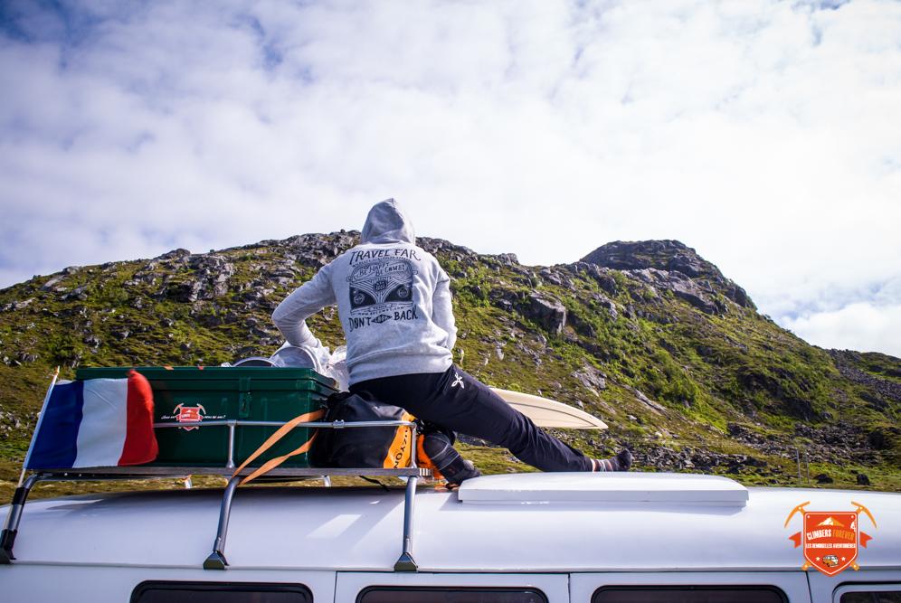 Amélie avec le pull Be Combi Norvège, les îles Lofoten