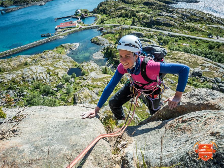 Escalade vers Henningsvaer le secteur fétiche de tous les grimpeurs!