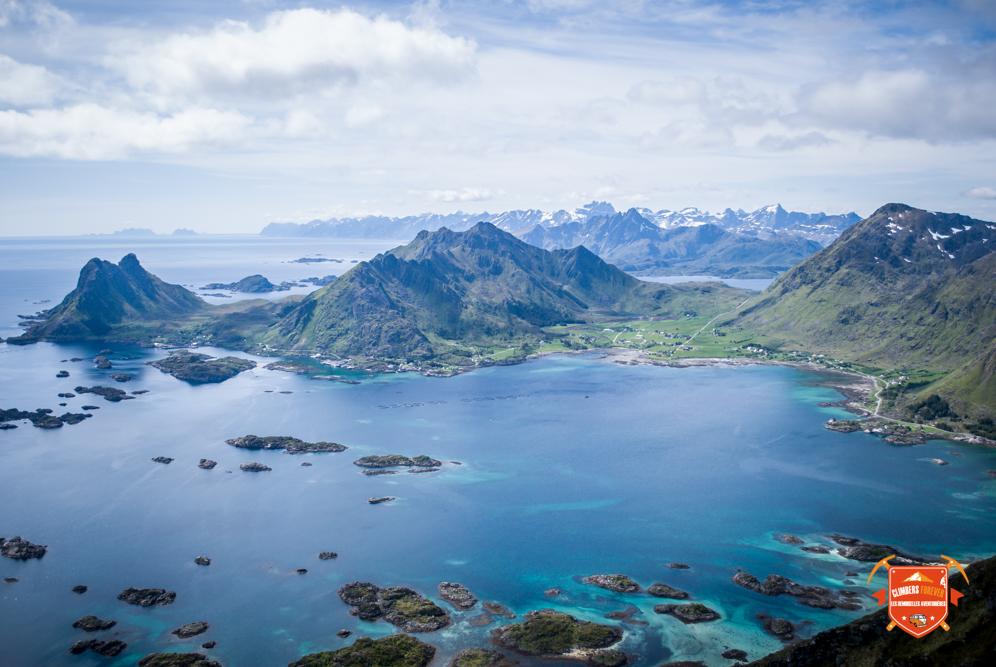 """Un cliché magnifique sur les Lofoten renommé """"Magic Island"""" nos Demoiselles savent pourquoi maintenant!"""