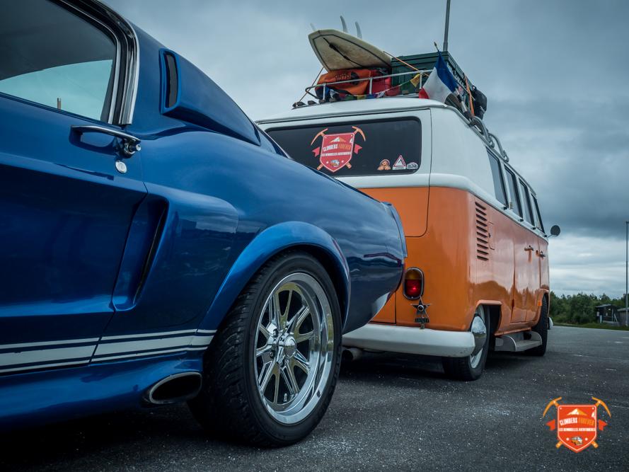 Mustang contre VW le choix est vite fais Les Demoiselles gardent le Combi!!