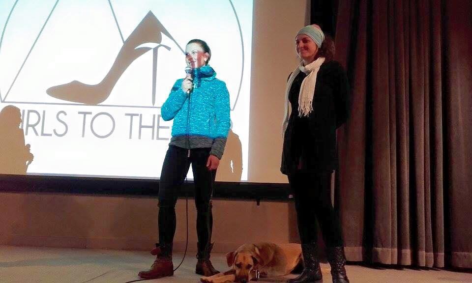 Amélie Rousselet, Betsy et Gaia sur la scène de Girls to the top à chamonix